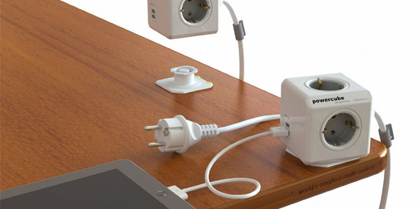 enchufe powercube con dos tomas usb