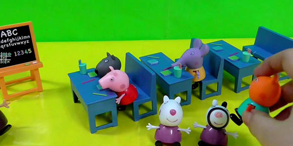 peppa pig juego aula