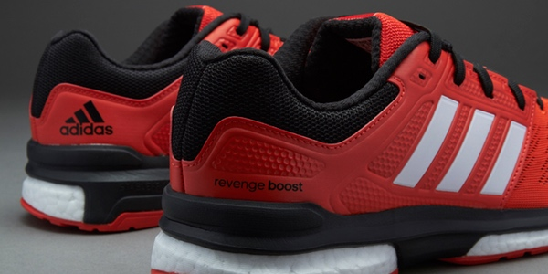 Adidas Revenge Boost 2 con un 50% de descuento