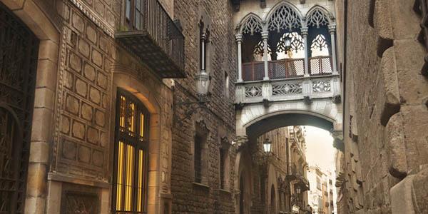 puente Bisbe Barcelona leyenda Calavera