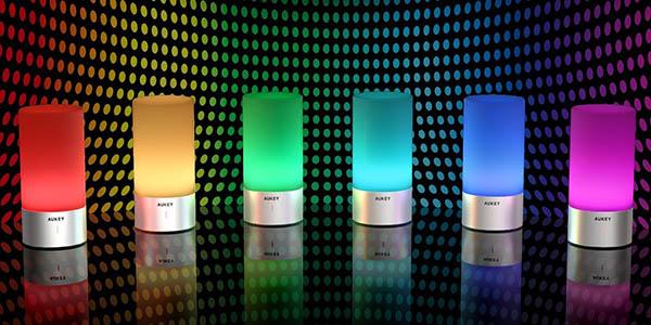Lámpara de mesa LED AUKEY en Amazon