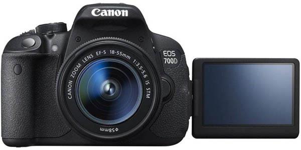 Cámara réflex Canon EOS 700D + EF-S 18-55
