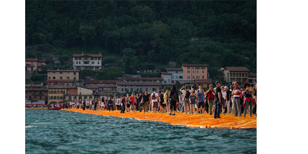 The Floating Piers libro construcción
