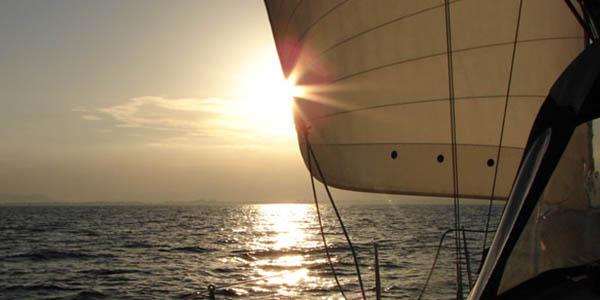 navegar en velero Barcelona para 2 personas