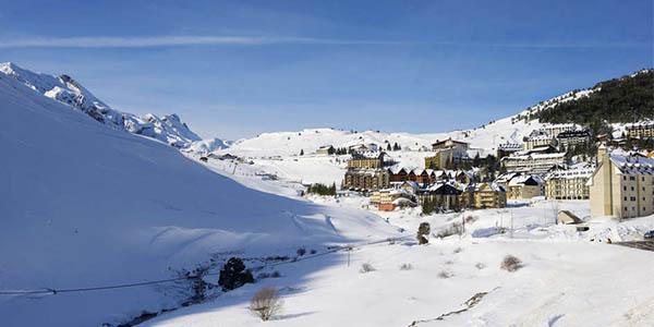 escapada con forfait esquí Candanchú diciembre 2017