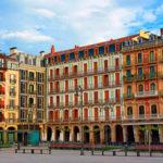 escapada familiar a Pamplona en apartamento o casa rural baratas