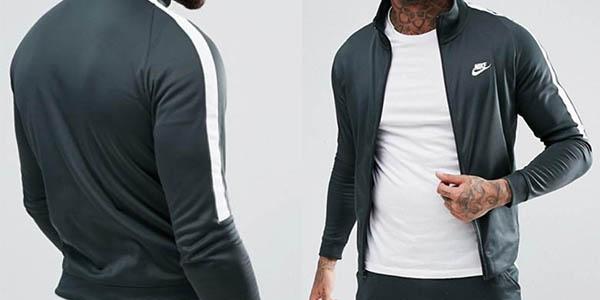 chaqueta chándal Nike Tribute poliéster elástica con cupón descuento Asos
