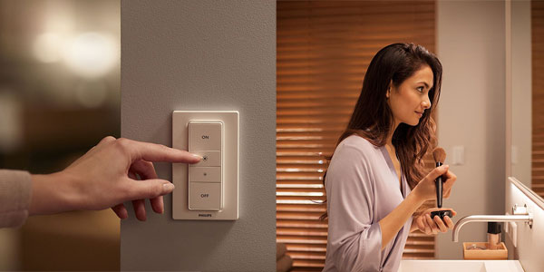 Pack de 3 bombillas Philips Hue White Ambiance LED GU10 con interruptor inalámbrico chollazo en Amazon
