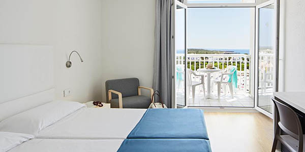 Hotel Smartline Cala'n Bosch oferta