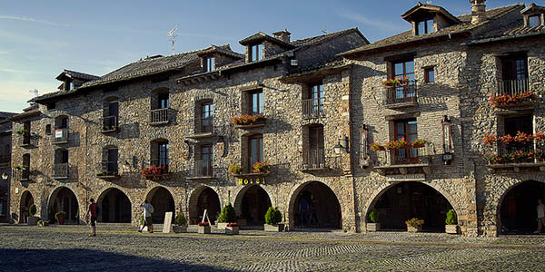 escapada con encanto a Aínsa Huesca precio de chollo