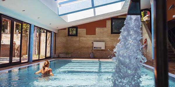 alojamiento en Cádiz con acceso a piscina climatizada oferta enero 2019