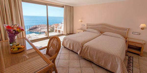 escapada a Sant Feliu de Guíxols en hotel con media pensión chollo