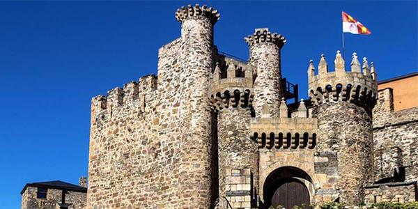 escapada a Ponferrada con visita al Castillo Templario chollo