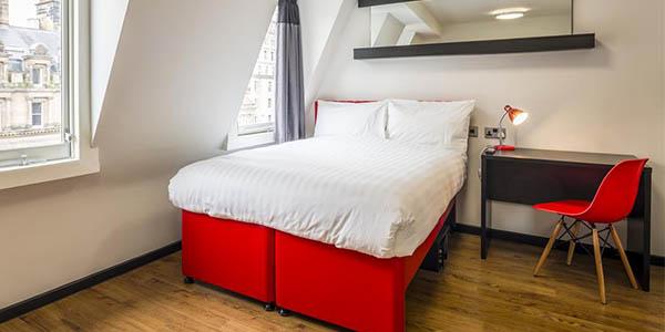 Tune Hotel Liverpool relación calidad-precio estupenda width=