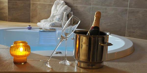 escapada romántica a hotel con jacuzzi en Valencia oferta