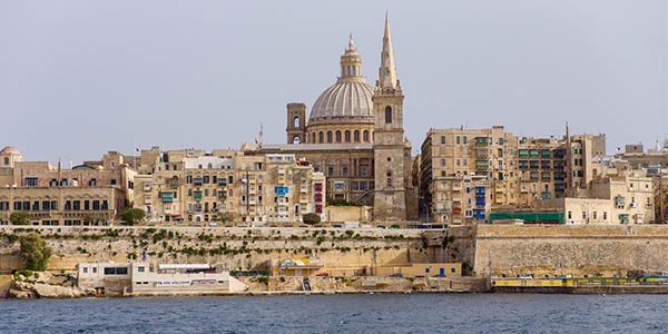 viaje bajo coste a Luqa Malta