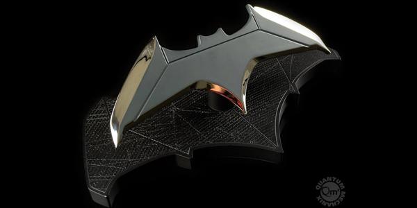 Réplica Batarang Batman Dc Comics 1:1 - Quantum Mechanix + cuaderno regalo barato en Zavvi