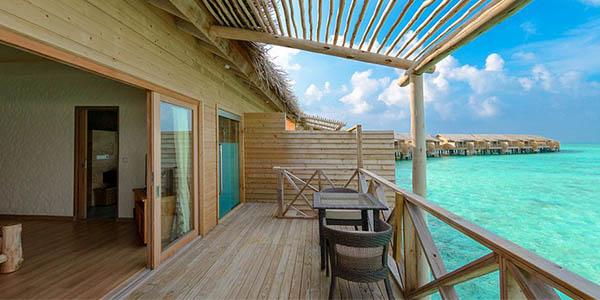 hotel Maldivas resort turístico con pensión completa agosto 2019