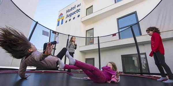 escapada en familia Hotel del Juguete Alicante oferta