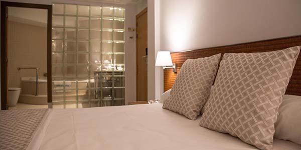 Hotel Carlos III oferta alojamiento en Territorio Sénia