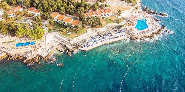 Dobra Voda alojamiento en resort frente al mar Montenegro oferta