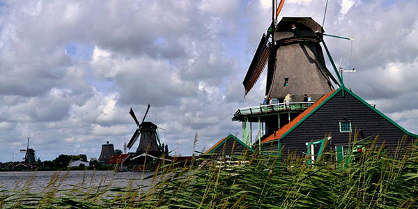 visitar pueblos con encanto en Holanda con presupuesto bajo