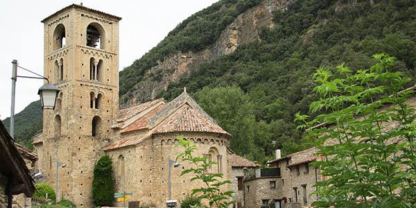 escapada al pueblo medieval de Beget alojamientos baratos
