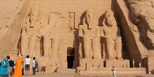 Abu Simbel majestuosidad de las construcciones del Antiguo Egipto
