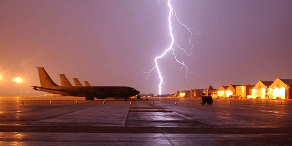 aviones y tormentas eléctricas curiosidades