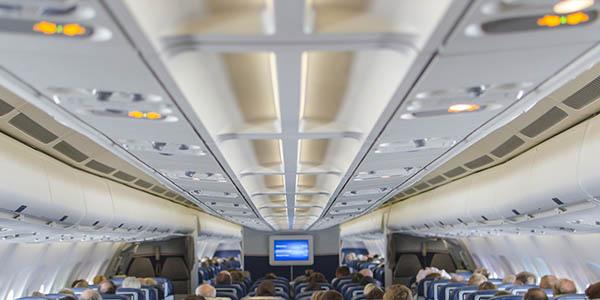 luces cinturón de seguridad de los aviones significado