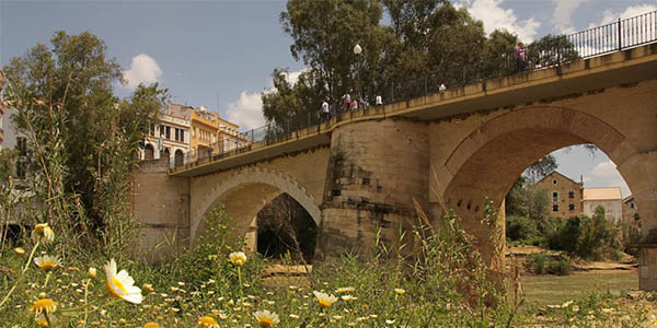 Puente Genial pueblo bonito de España