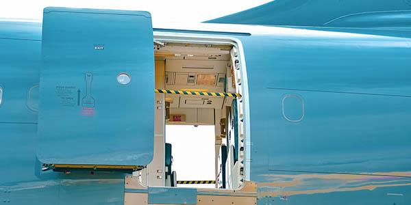 puertas de avión y presurización de aviones