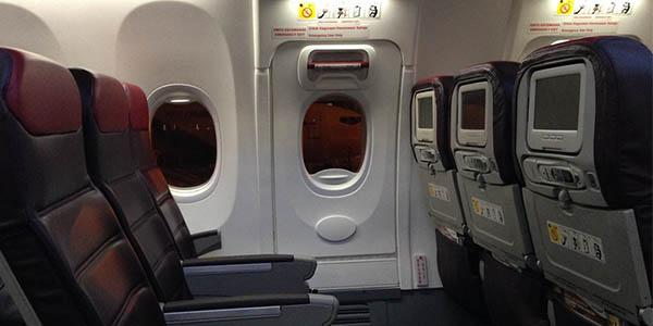 salidas de emergencia en los aviones curiosidades