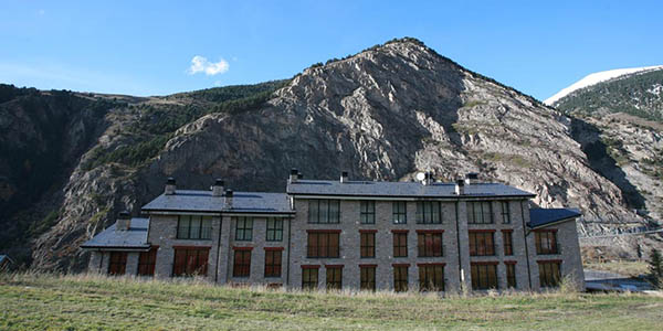 escapada en familia o amigos a Andorra verano chollo