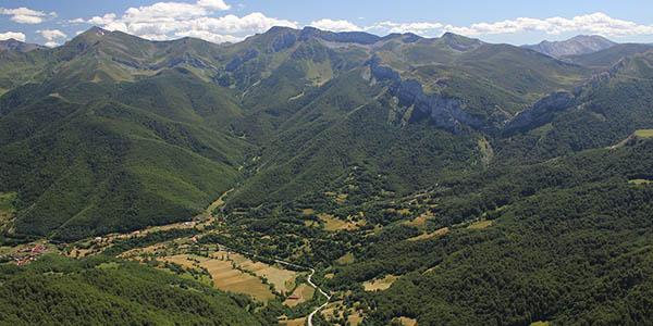 Ruta por pueblos bonitos de los Picos de Europa con alojamientos rurales económicos