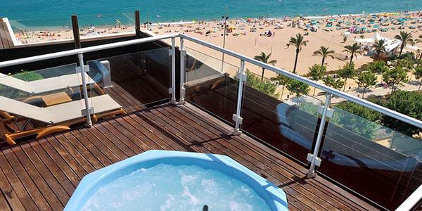 hotel en primera línea de mar en Calella para unas vacaciones en familia baratas