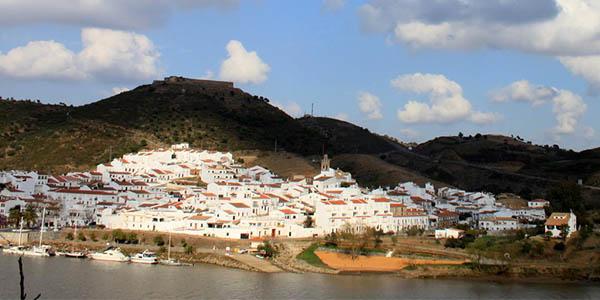 Huelva escapada de senderismo en casa rural barata en La Isabel