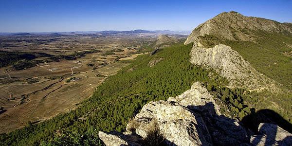 Sierra Espuña escapada rural con alojamiento en cabaña económica