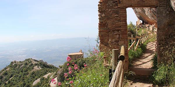 escogemos las mejores rutas de montaña y senderismo en España