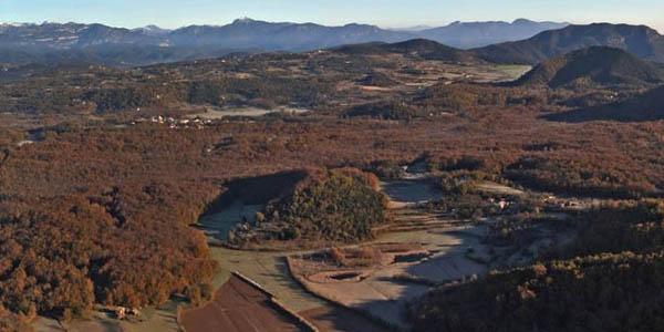 escapada de otoño a la Fageda d'en Jordà en Cataluña con alojamientos baratos