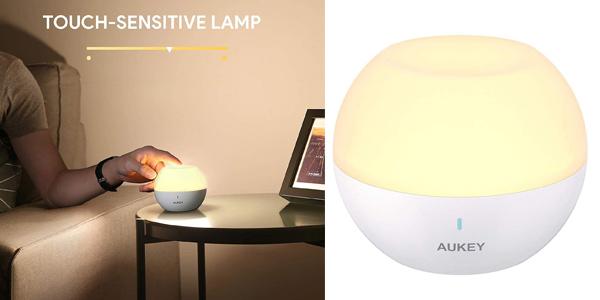 Lámpara de noche táctil sin cables Aukey blanco cálido ajustable y RGB barata en Amazon