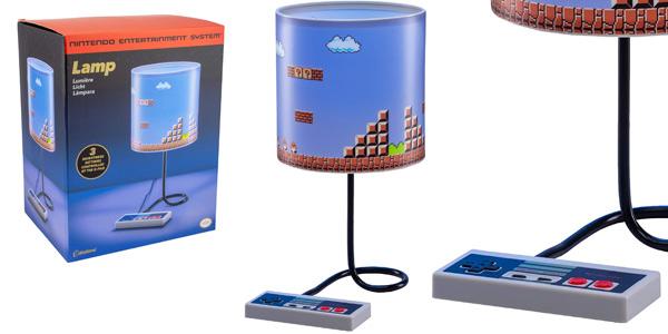 Lámpara de mesa Nintendo NES de Paladone barata en Amazon