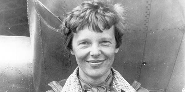 Amelia Earhart mujer aviadora