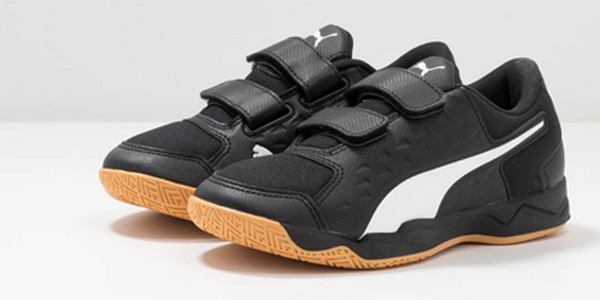Zapatillas de fútbol Puma Auriz V Jr para niños baratas en Amazon