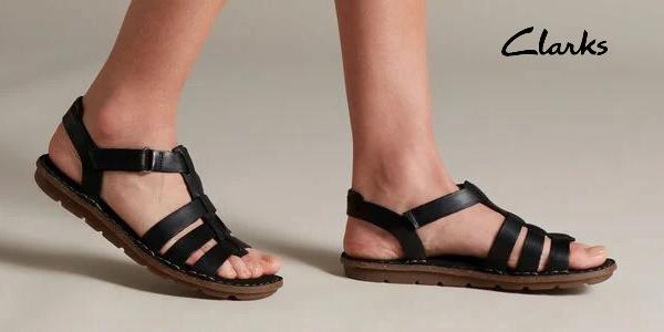 Sandalias planas Clarks Blake Jewel para mujer oferta en Amazon