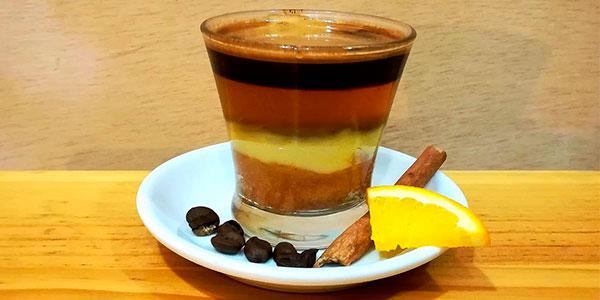 Carajillo de ron 3 Colores Quemadito Premium de 700 ml barato